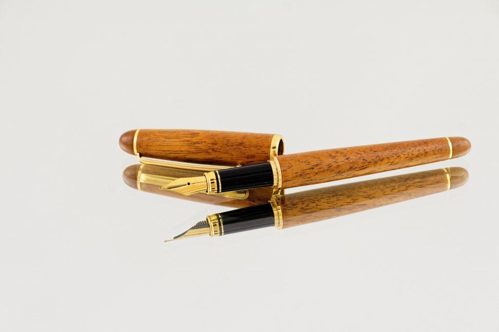 fountain-pens-865996_1920